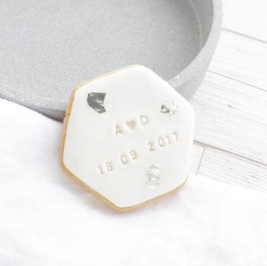 White Silver/Gold Leaf Place Card Personalised Biscuits