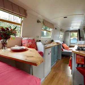 Two Night Retro Canal Boat Stay In London - experience gifts