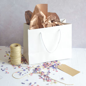 Deluxe Gift Bag, Gift Tag, Tissue Paper And Petals - wrapping