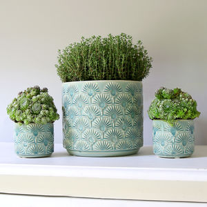 Blue Fan Pattern Pot