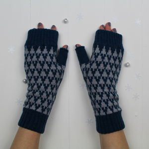 Arrow Knitted Fingerless Mitts - gloves