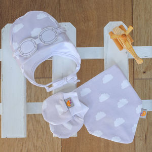 Newborn Gift Set Of Hat, Bib And Mittens Pearl Grey - clothing