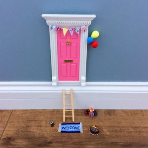 Celebration Pink Fairy Door Gift Set - bathroom