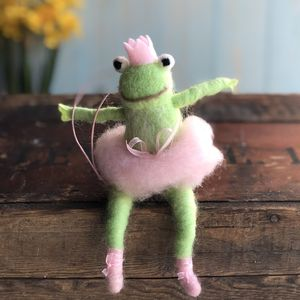 Ballet Frog Easter Decoration