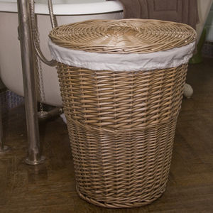 Budget Storage Woven Willow Laundry Basket Jl1