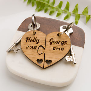 Personalised Jigsaw Heart Oak Keyring Name And Date
