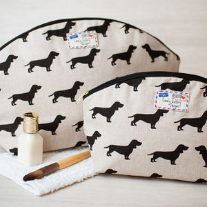 Sausage Dog Dachshund Gift Make Up Toiletry Wash Bag - men's grooming & toiletries