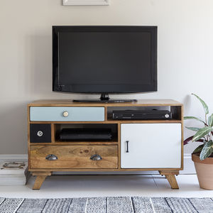 Milligan Retro Media Unit