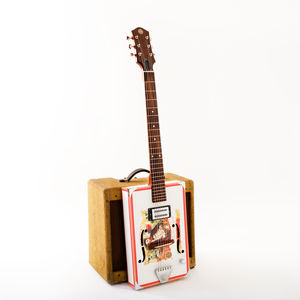 Especial 'Deluxe' Cigar Box Guitar
