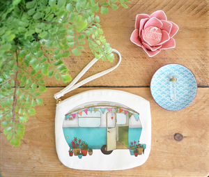 Caravan Canvas Purse - make-up & wash bags