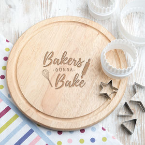 'Bakers Gonna Bake' 25cm Wooden Cake Stand / Plate - home