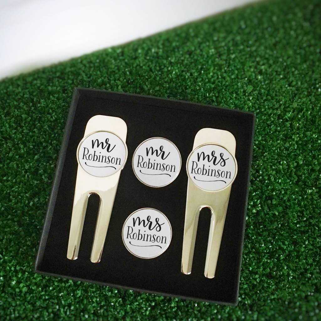 Personalised Mr And Mrs Golf Divot Tool And Marker Set
