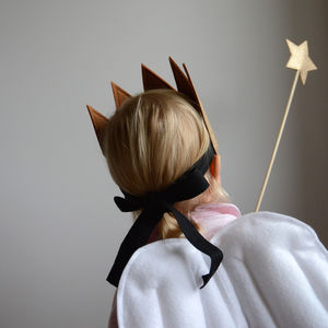 Glitter Star Wand Dress Up - gifts to squirrel away for the kids
