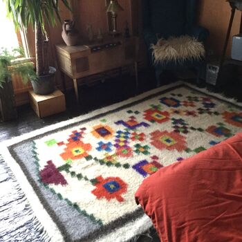Plant Pot Hand Woven Rug For Plant Lovers