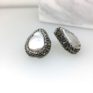 Baroque Pearl Studs - earrings