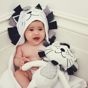 Baby Lion Hooded Towel - new baby gifts