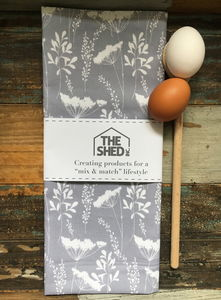Cowparsley Print Tea Towel