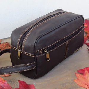 Brown Leather Wash Bag 35% Off - bathroom