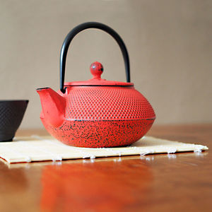 Red Tenshi Cast Iron Teapot Japanese Style - teapots