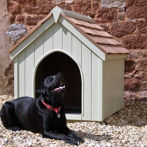 Traditional Dog Kennel - dogs