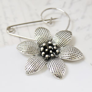 Daisy Flower Silver Plated Swirl Pin Brooch - pins & brooches
