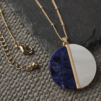 Round Mother Of Pearl Gold Necklace