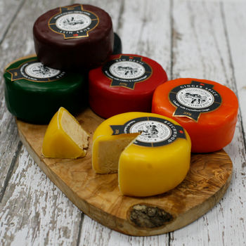 Snowdonia Cheddar Cheese Set