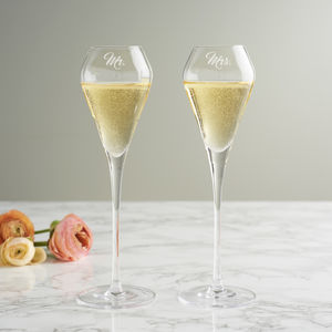 Mr And Mrs Tulip Champagne Flute Set