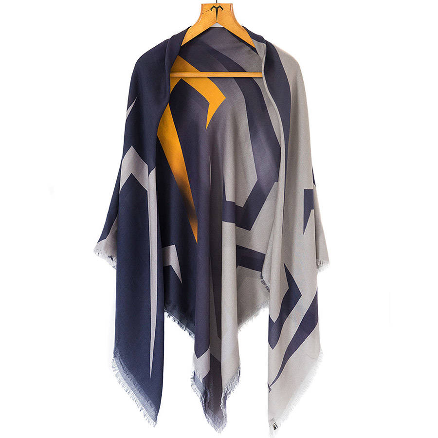 Timeless Luxury Cashmere Ladies Scarf