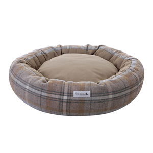 Shetland Wool Cocoon Bed - dogs