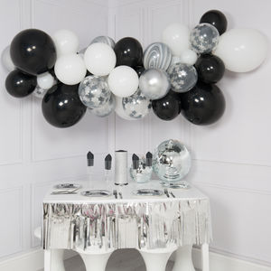 Monochrome Balloon Cloud Kit