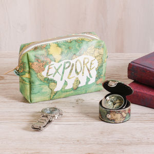Great Explorers Pocket Clock And Wash Bag Gift Set - make-up & wash bags