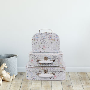 'Bear Camp' Set Of Three Suitcases