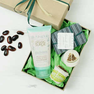 Gardener's Natural Gift Set - retirement gifts