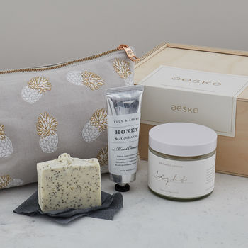Relaxing Bath And Pouch Gift Box