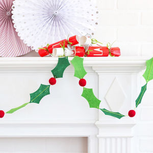 Felt Holly And Berry Christmas Garland Decoration