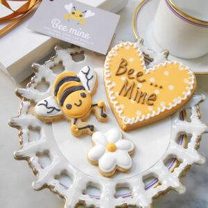 Bee Mine Biscuit Gift Box