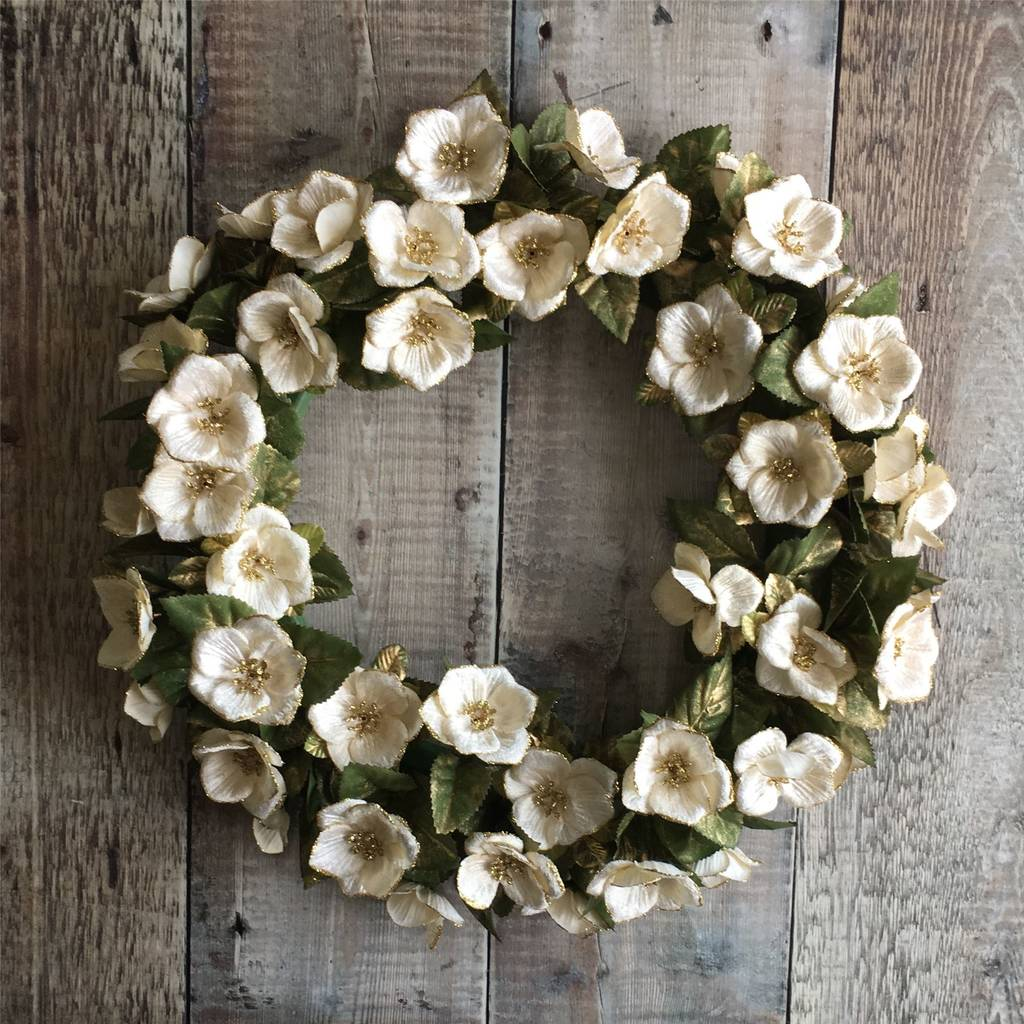 Traditional Christmas Rose Wreath
