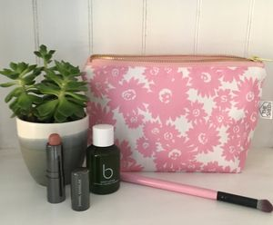 Daisy Make Up Bag - make-up & wash bags