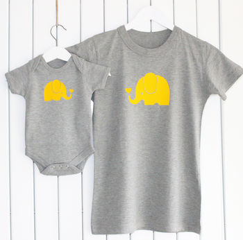 Mother And Baby Elephant T Shirt Set