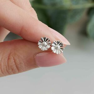 Tiny Daisy Silver Stud Earrings