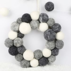 Felt Pom Pom Christmas Wreath