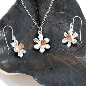 Daffodil Set In Silver And Rose Gold