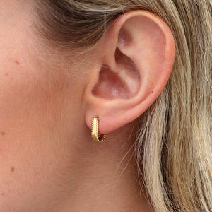 18ct Bead Trim Scoop Hoop Earring