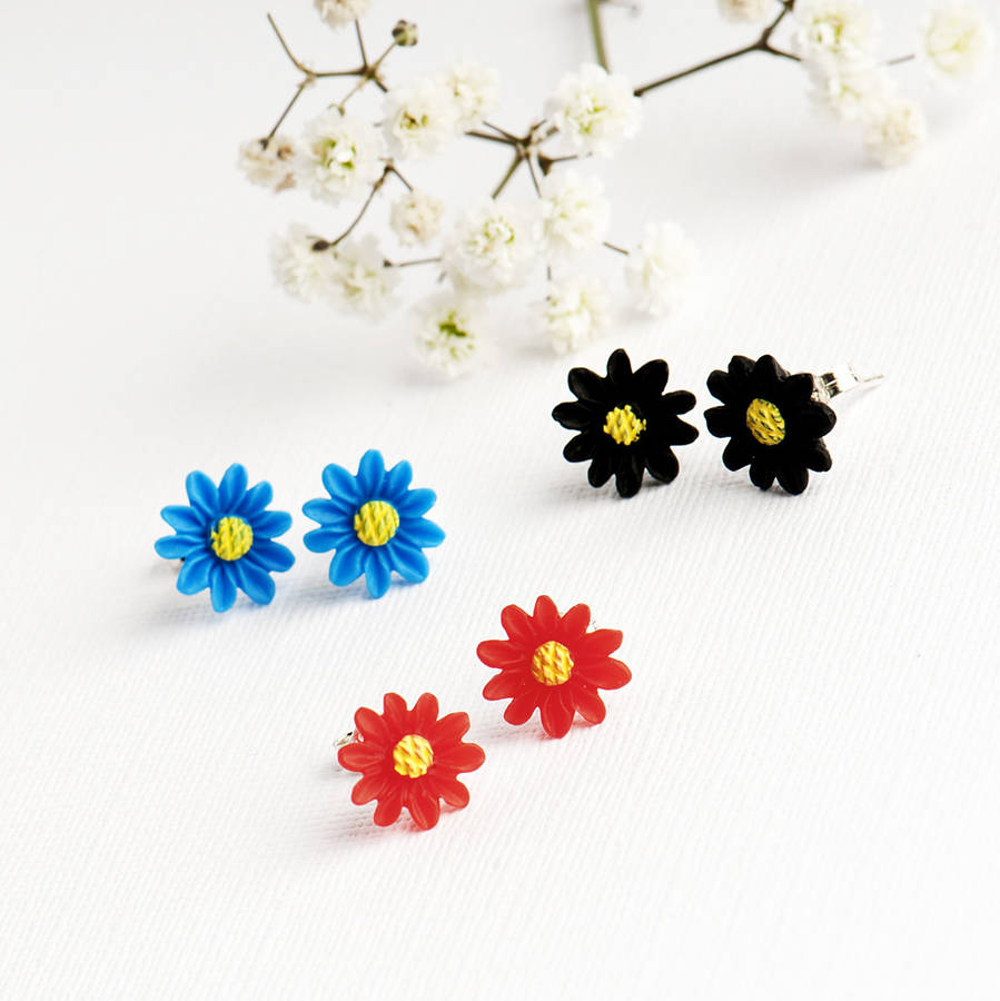 Vibrant Daisy Stud Earrings