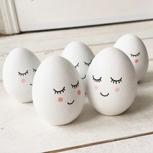Ceramic Sleepy Egg Decoration