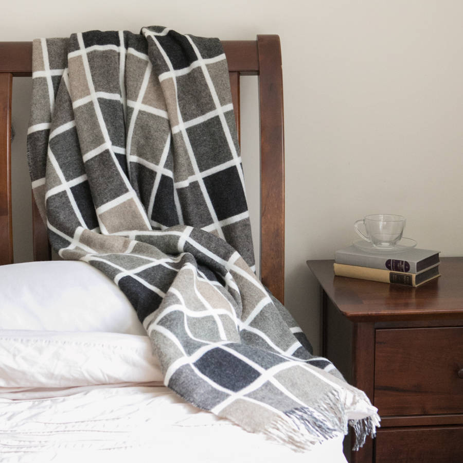Merino Multiblock/Windowpane Throws