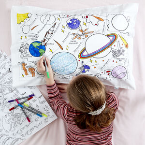 Space Pillowcase Kit + 10 Pens, Colour And Learn