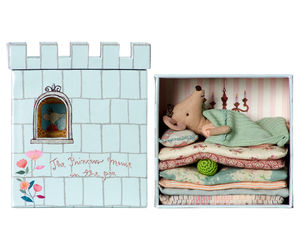 Princess Mouse And The Pea Box Play Set - play scenes & sets