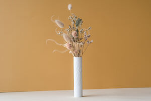 Fine Bone China Vase And Dried Flower Bouquet Gift Set